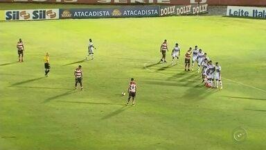 Linense empata com o Botafogo-SP e segue na lanterna do Paulistão - Mesmo com mais volume, o Linense só empatou com o Botafogo-SP em 1 a 1 e não conseguiu se livrar da lanterna do Campeonato Paulista 2018.