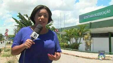 Mães reclamam de horário de funcionamento de creche em Caruaru - Elas alegam que a unidade não funciona o dia inteiro.