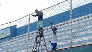 Estádio do Aryzão, em Campos, RJ, irá receber vistoria nesta terça-feira - Assista a seguir.
