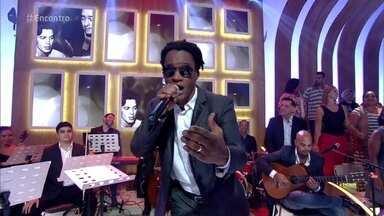 Toni Garrido canta 'O Morro Não Tem Vez' - Cantor lança projeto em homenagem a Tom Jobim e Vinícius de Moraes