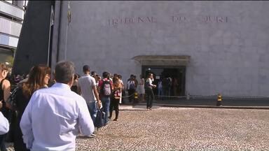 Tribunal do Júri em Curitiba fica lotado no segundo dia de julgamento de Carli Filho - Veja como foi a manhã no Tribunal do Júri na Capital.