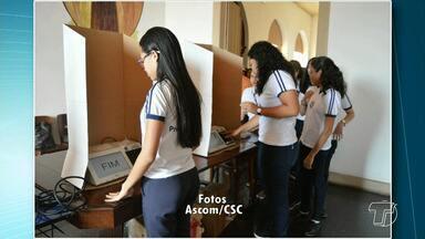 TRE desenvolve o Programa Nacional Eleitor do Futuro nas escolas de Santarém - Programa existe desde 2003, criado pelo TSE, com o objetivo de esclarecer noções de cidadania para jovens e adolescentes.