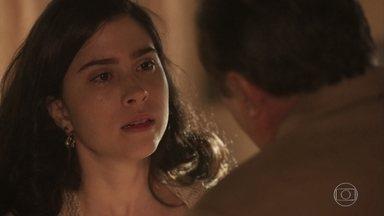 José Augusto aconselha Tereza a se mudar com Delfina - Tereza sofre ao ter que deixar a Quinta, e José Augusto consola a filha