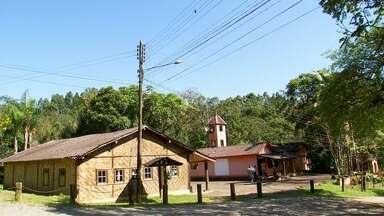 INTERVALES 1 - Um dos locais mais famosos em Ribeirão Grande é o Parque Estadual Intervales e a nossa equipe visitou as famílias que vivem por lá.
