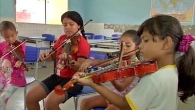 Associação ensina música e canto para crianças e adolescentes - Associação ensina música e canto para crianças e adolescentes.