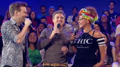Michel Teló canta música de Tatiane no 'Essa Música é Minha' - Cantor se apresenta no 'Caldeirão'