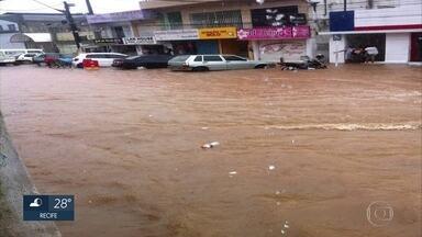 Chuvas forte provocam alagamentos em Tamandaré e Porto de Galinhas - Apac registrou 67% da chuva esperada para todo o mês de março em Tamandaré.