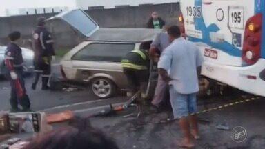 Acidente deixa feridos em Campinas - Veículo se chocou contra ônibus.