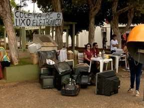 Mutirão do Lixo Eletrônico é realizado em Junqueirópolis - Moradores entregaram neste sábado (3), materiais que estão fora de uso.