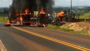 Carreta pega fogo e motorista morre - O acidente foi em Jardim Alegre