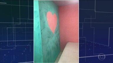 MP descobre quartos de motel na Cadeia Pública de Benfica, no Rio - Suítes decoradas para encontros íntimos tinham TVs, piso de porcelanato, luzes vermelhas no teto. 'Inconcebível', disse interventor.