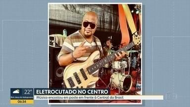 Músico morre eletrocutado em frente à Central do Brasil - Integrante do Afroreggae encostou em poste energizado