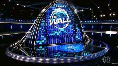 Confira a estreia do quadro 'The Wall' - Luciano Huck apresenta o novo quadro do 'Caldeirão'