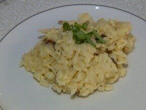 Aprenda a preparar uma receita de Risoto de Cogumelos - Educador conquistou a esposa com a comida.
