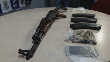 Armamento de guerra é apreendido na Zona Leste de Manaus - Rocam encontrou Fuzil AK-47 em uma casa no bairro Jorge Teixeira.