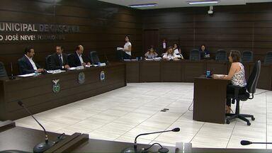 Vereadores começam oitivas da CPI das horas extras em Cascavel - Diretora do departamento de RH da prefeitura foi a primeira a ser ouvida. Comissão quer investigar o excesso de horas extras entre 2013 e 2017.