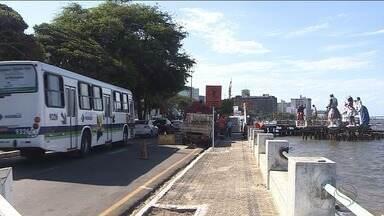Avenida Ivo do Prado terá bloqueio parcial a partir deste sábado - Interdição terá início às 5h da manhã por conta das obras do píer e das bases das esculturas do Largo da Gente Sergipana.
