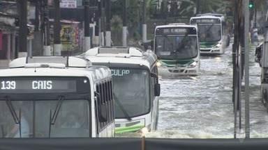 Áreas de risco em morros de Santos são vistoriadas após chuvas - O prefeito Paulo Alexandre Barbosa falou sobre o assunto.
