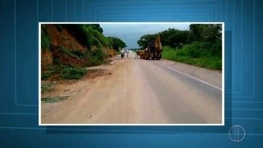 Por causa da chuva, algumas rodovias que ligam o Norte e Noroeste do estado são afetadas - Assista a seguir.