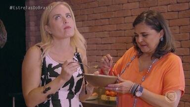 Angélica e Elizângela provam o tradicional nhoque de Carlos Kristensen - Elas se deliciaram com a receita