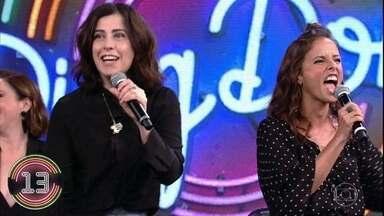 Fernanda Torres e Fernanda Freitas acertam campainha número 3 e DJ Marlboro sobe ao palco - Dupla sai na frente da disputa