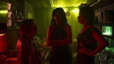 Caetana, Leandra e Zildete se surpreendem com apoio de Nádia a Karine - Leandra fecha acordo de proteção com o delegado de Pedra Santa