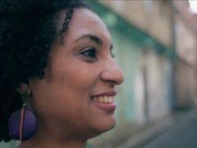 Globo Comunidade faz homenagem à Marielle Franco e a todas as vítimas da violência no Rio - Foram 649 mortes violentas no estado só em janeiro de 2018. A execução covarde da vereadora Marielle Franco causou comoção nacional. Ela era uma batalhadora pelos direitos das minorias e a quinta vereadora mais votada no Rio.