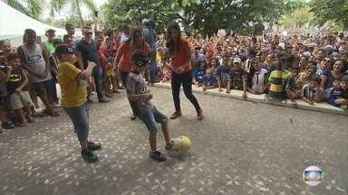 GE na Praça: torcedores mirins de Atlético-MG e Cruzeiro participam do 'futebol cego' - GE na Praça: torcedores mirins de Atlético-MG e Cruzeiro participam do 'futebol cego'