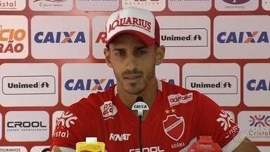 Geovane admite frustração após eliminação do Vila Nova na Copa do Brasil - Capitão do time espera que equipe tire lições para a fase final do Campeonato Goiano.