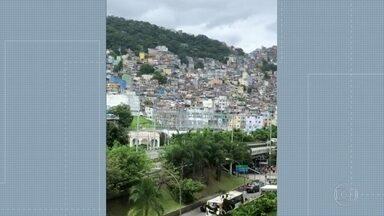 Intenso tiroteio assusta moradores da Rocinha - Polícia Militar faz operação na comunidade.