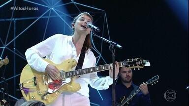 """Mallu Magalhães canta """"Mais Ninguém"""" - Música é um dos sucessos autorais da cantora"""