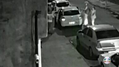 Vídeo mostra o motorista Anderson muito perto dos prováveis assassinos - Imagens inéditas revelam como foi a tocaia dos supostos assassinos antes de atacarem o carro da vereadora Marielle Franco
