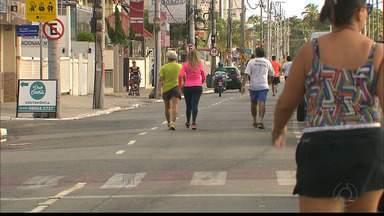 Reforço na fiscalização traz segurança para quem pratica esporte na orla de João Pessoa - Duas mulheres foram atropeladas quando corriam no Cabo Branco na semana passada.