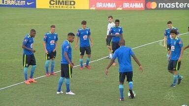 Com grupo quase completo, seleção brasileira treina em Manaus - Carlos Amadeu realizou o segundo treinamento em solo amazonense, no estádio da Colina