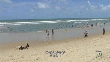 Sem chuva, fortalezenses aproveitam feriado de São José na praia - Outras informações no G1.com.br/ce