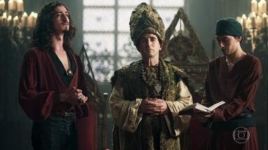 O casamento de Rodolfo e Lucrécia é anulado - Como novo patriarca da fé, Orlando manda Lucrécia de volta a Alcaluz e absolve o homem envolvido no caso de adultério