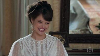 Ema anuncia que seu baile será a fantasia - Elisabeta não demonstra muito interesse na festa. Ema conta que convidou todos os homens elegíveis a casamento da região