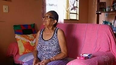 Idosa espera há mais de um ano para marcar consulta com especialista em coluna, em Jataí - Aposentada afirma que sofre com constantes dores, mas não tem previsão de ser atendida.