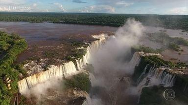 Jimmy Ogro visita as Cataratas do Iguaçu - Local é uma das sete maravilhas do mundo moderno, foi retratado por um astronauta a 400 Km de distância da terra e já apareceu em diversos filmes de sucesso