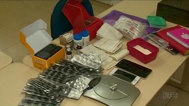 Suspeito de tráfico de medicamentos abortivos é preso em Foz do Iguaçu - Segundo a polícia, comprimidos eram comercializados pela internet.
