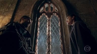 Virgílio alerta Catarina para a fidelidade que Cássio tem a Afonso - Catarina imagina que eles devem estar conspirando contra ela