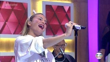 Claudia Leitte canta novo hit com rapper Pitbull - Cantora se apresenta no palco do 'Encontro'