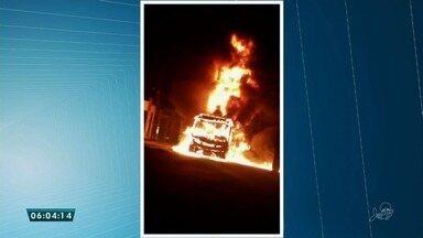 Microonibus é alvo de ataque no bairro Álvaro Weyne, em Fortaleza - Saiba mais em g1.com.br/ce
