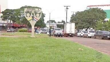 Moradores da fronteira com Paraguai ficam confusos com horário de verão - O último mês foi cheio de confusão e horários diferentes de cada lado da linha internacional.