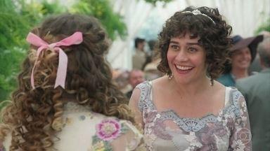 Susana incentiva Lídia a apresentar sua dança atrapalhada - Ela incentiva Camilo a dançar com Jane