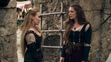 Diana defende Catarina para Amália - A ruiva se sente frustrada com a falta de apoio da melhor amiga