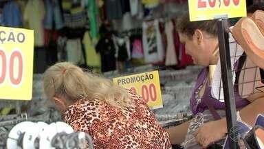Pesquisa mostra que o brasileiro não tem o hábito de cuidar das finanças pessoais - Pesquisa mostra que o brasileiro não tem o hábito de cuidar das finanças pessoais