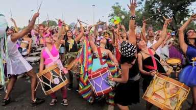 Carnaval E Mamilos