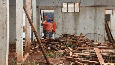 Entrega da Cadeia Pública de Campo Mourão vai atrasar novamente - Obras começaram em 2014, com previsão de entrega em um ano