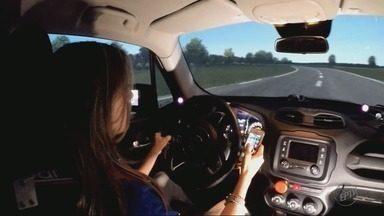 Veja os riscos trazidos pelo uso de celular no trânsito - Veja os riscos trazidos pelo uso de celular no trânsito